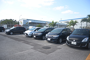 미야코공항 내의 주차장에서 출발, 반납하실 수 있습니다.