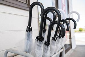Free rental umbrella is available during rainy weather or rainy season.