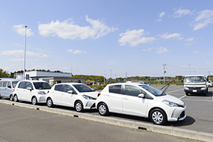 We provide a wide range of Toyota cars at the airport parking lot.